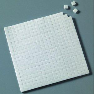 Billigtpyssel.se | Limkudde 5 x 5 x 3 mm / 10 x 14 cm - vit 560 st. dubbelsidig