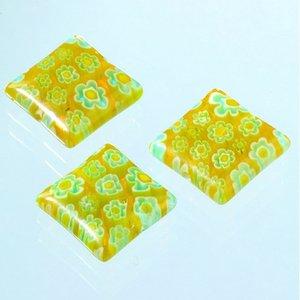 Billigtpyssel.se | Millefioripärlor 14x14xT4mm - gul 3 st. kvadratiska platt
