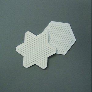 Billigtpyssel.se | Nabbi pärlplatta 9 cm - vit 2 st. mix stjärna / sexhörnig