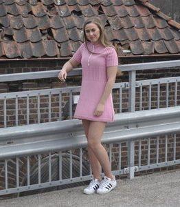 Billigtpyssel.se | Stickmönster - Klänning (kort)