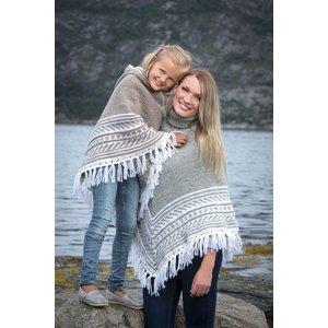 Billigtpyssel.se | Stickmönster - Poncho