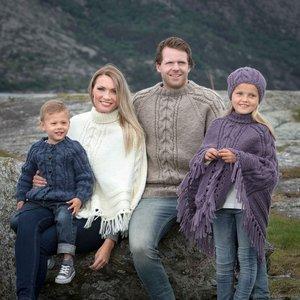Billigtpyssel.se | Stickmönster - Poncho och mössa