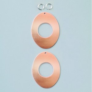 Ovala hängsmycke 41 x 31 mm - med hål